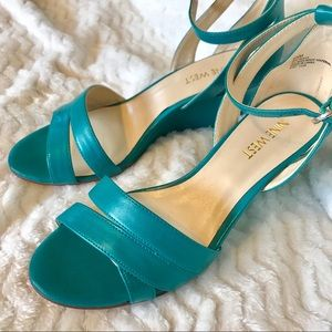 Nine West turquoise wedge sandals size 6 1/2